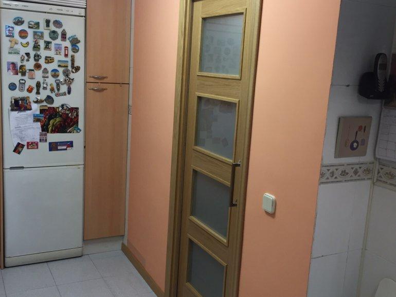 Puerta corredera en cocina for Puerta corredera cocina